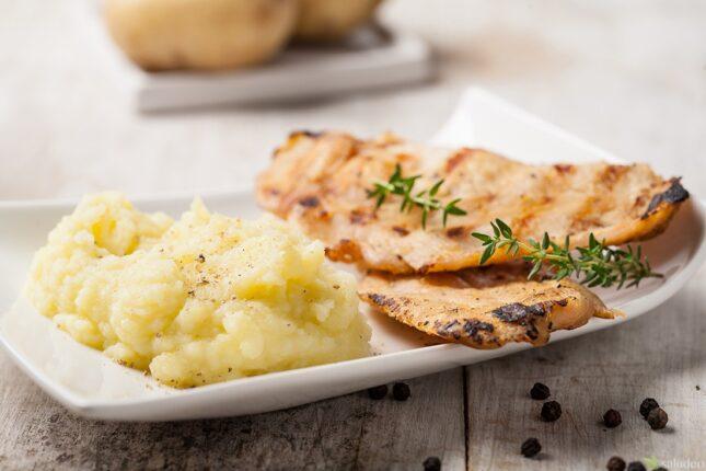 pavo a la plancha con puré de patatas-9338